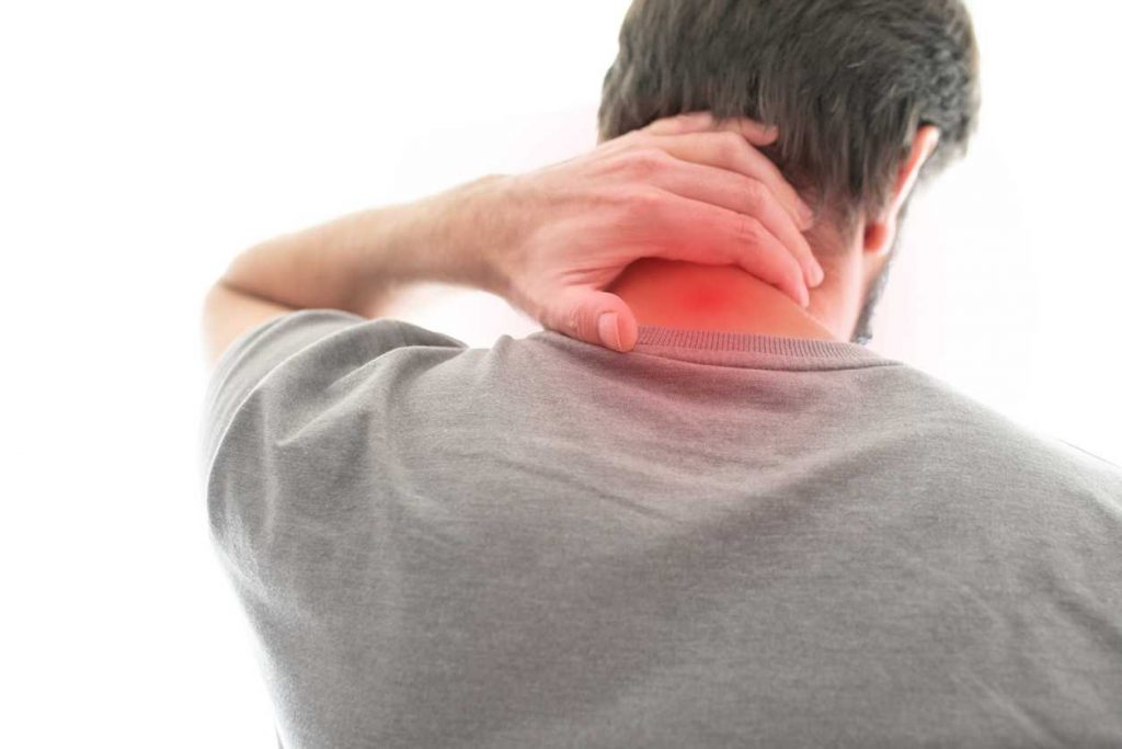 st. louis man with neck pain after a car accident